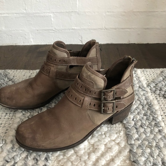 Ugg brand ankle bootie
